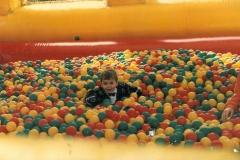piscine à boules gonflabe Pierre