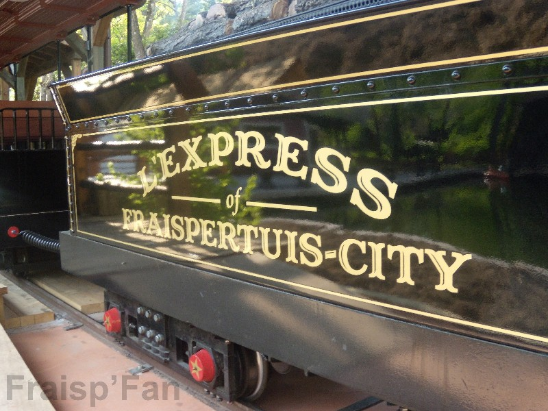 express_057_-_attraction_-_06